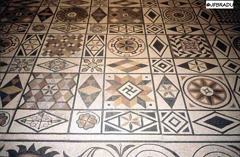Une curieuse mosaïque Mosaique-svastikas2